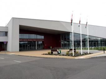 Bezárt a sportközpont